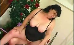Old cougar fucked by young Russian