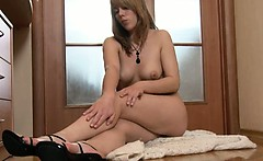 Hairy chick fingering on the floor